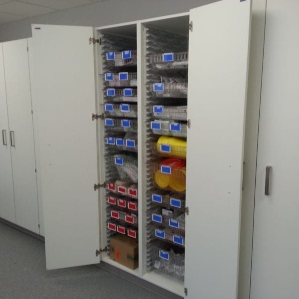 5.1-Fitted-Cabinets-Doors-Open-1-600x600
